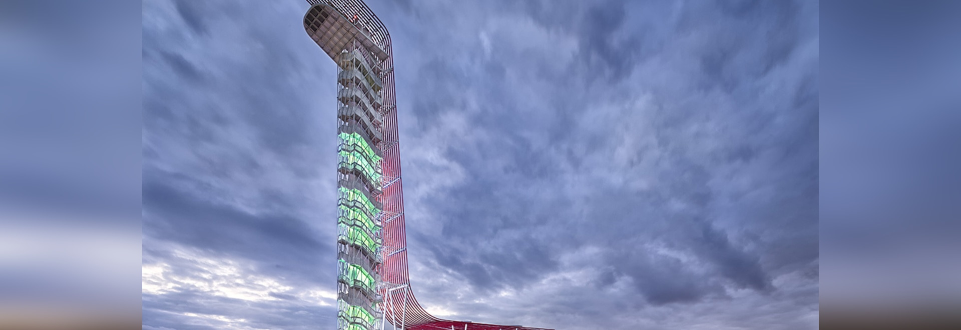 Observation Tower  ( Photo © : Paul Finkel )