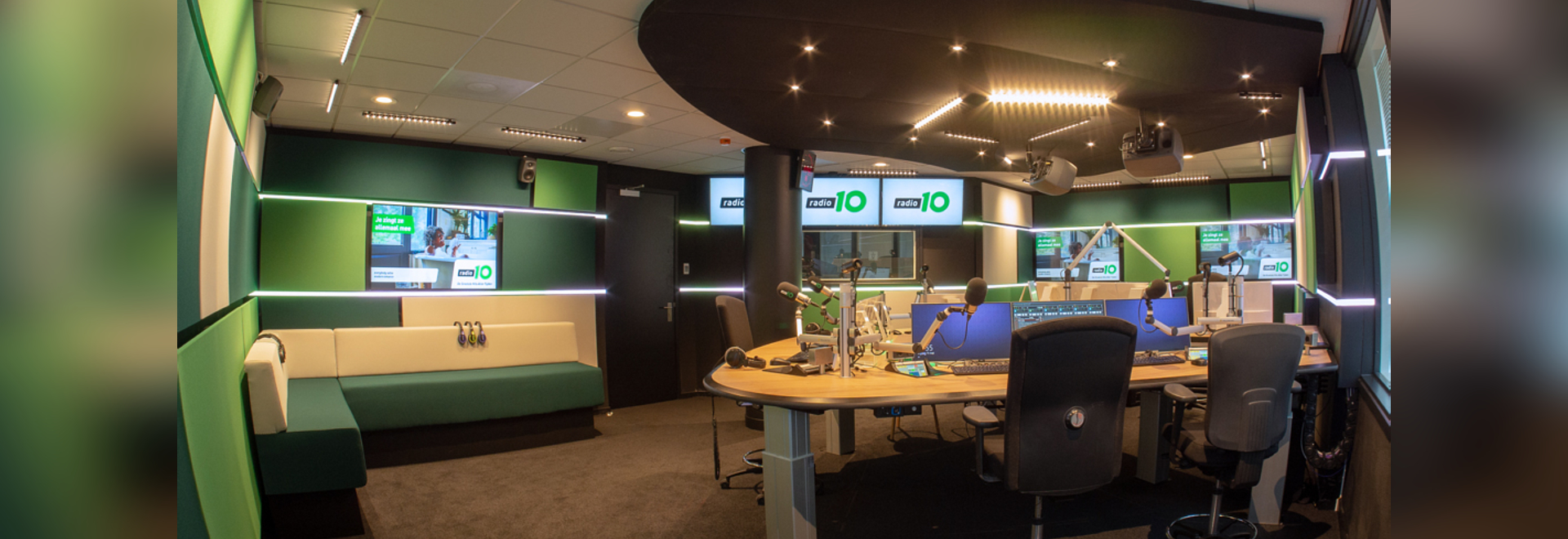 Radio 10,The Netherlands - Bijsterhuizen 2523,6604 LM Wijchen,Netherlands - CLS LED