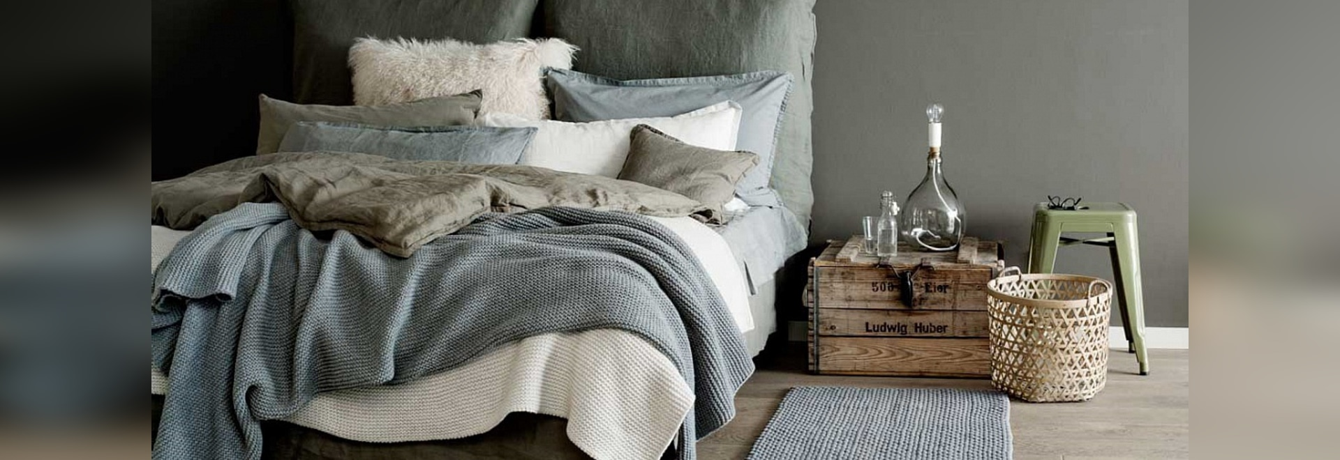Sunday in Bed: Like Being on Vacation Every Day with the Right Textiles