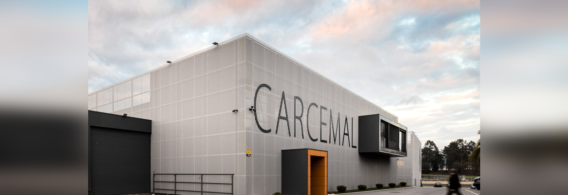 A textile-like facade with custom-perforated aluminium sheets