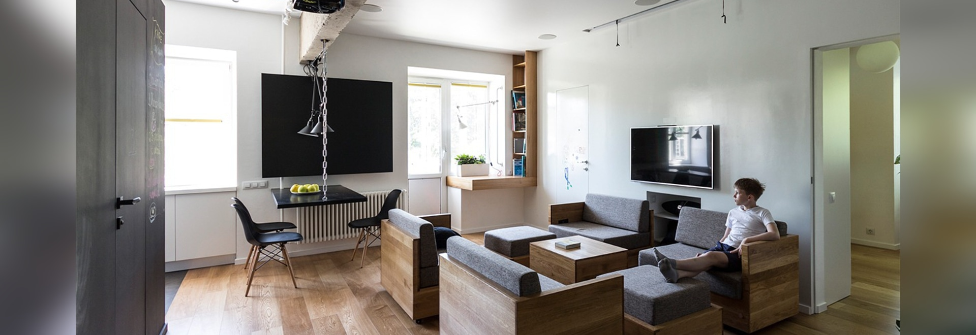 This home's most versatile feature has to be the amazing modular seating unit in the living room. Consisting of seven individual units on wheels, it allows for easy arrangement and re-arrangement t...