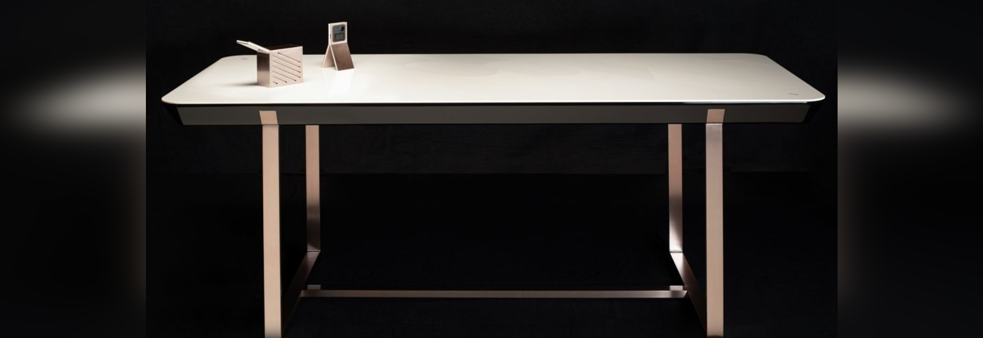 The Versâtis – Eurokera Smart Table by Jean-Marc Gady