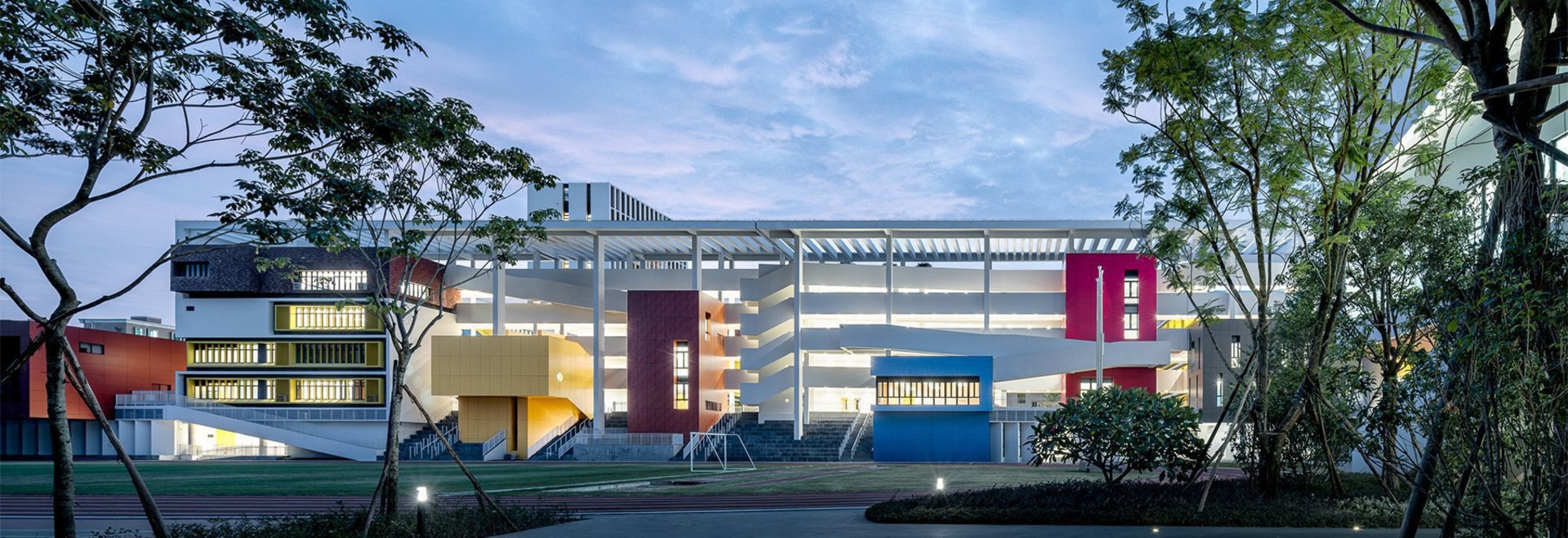 zhubo-aao and H design bring colorful outdoor learning to school in shenzhen