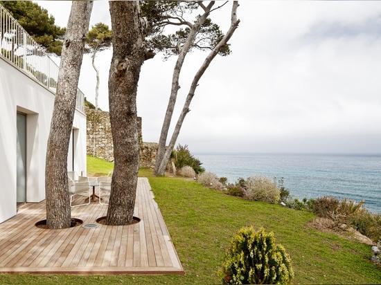 HOUSE IN COSTA BRAVA BY GARCÉS – DE SETA – BONET