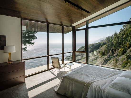 FALL HOUSE BY FOUGERON ARCHITECTURE