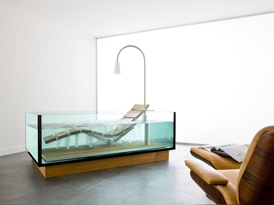 THE WATER LOUNGE