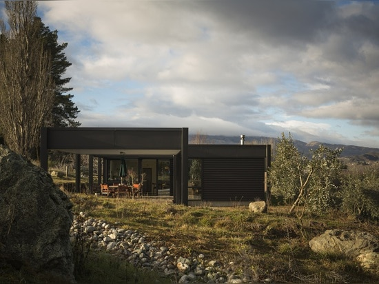 A full circle between a house, its inhabitants and the countryside by Team Green Architects