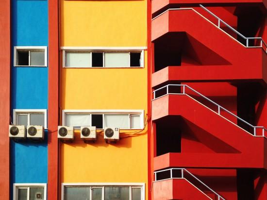 YENER TORUN'S PHOTOGRAPHS HIGHLIGHT MINIMALIST ARCHITECTURE IN ISTANBUL