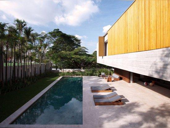ARCHITECT SPOTLIGHT: MARCIO KOGAN