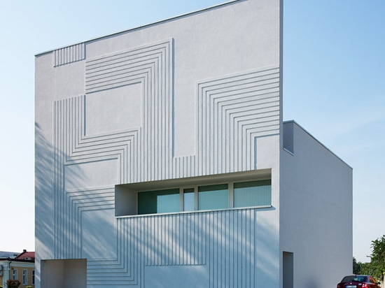 NAPUR Architect creates circuitboard pattern on facade of Super Computer Centre