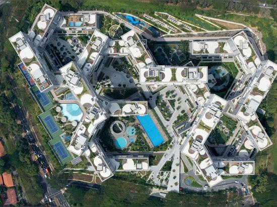 "Ole Scheeren's ""vertical village"" named World Building of the Year 2015"