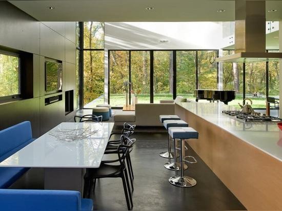 Stunning energy-smart home near D.C. looks like a super swanky Tetris ensemble