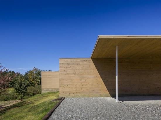 Shigeru Ban Architects, Solid Cedar House, Japan