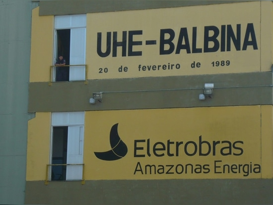 The Balbina Dam in Brazil is receiving an installation of floating solar panels to improve its energy efficiency.