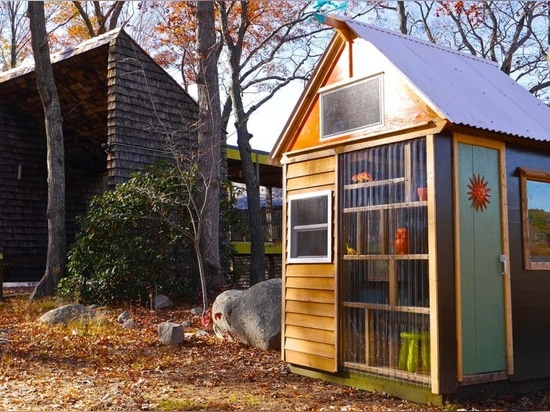 8-year-old cub scouts build their own tiny house studio to raise funds