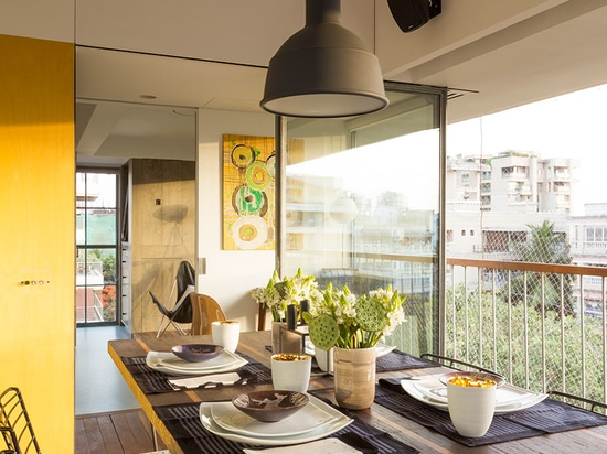 the terrace becomes a dining room