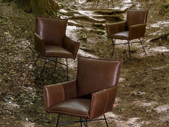NEW: contemporary chair by Jess design