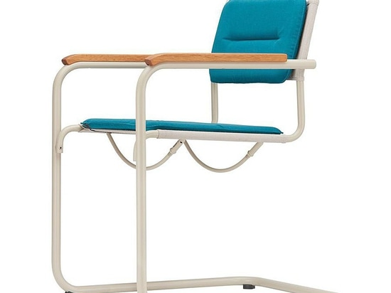 NEW: contemporary chair by THONET