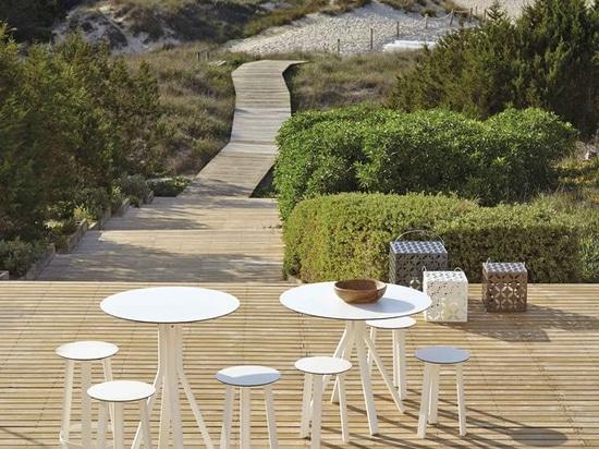NEW: bar stool by GANDIA BLASCO