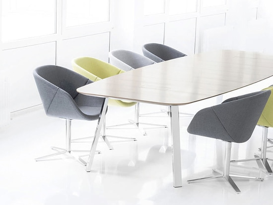 GRAND CHAIR – a conference chair with a unique design language