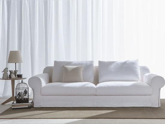 New Callas classic sofa by BertO
