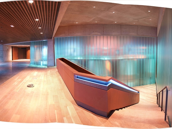 Inner linings to improve acoustic conditioning of business premises and franchises