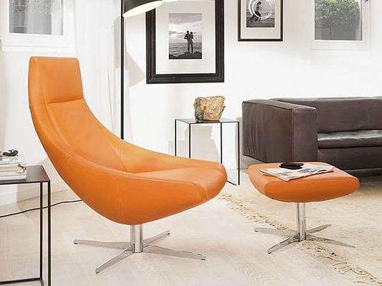 Meet Ovni: A Lounge Chair that gives Timeless Elegance a new dimension