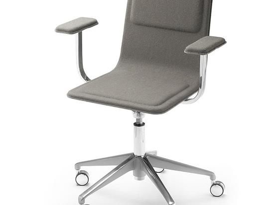 Laia Desk Chair by Jean Louis Iratzoki