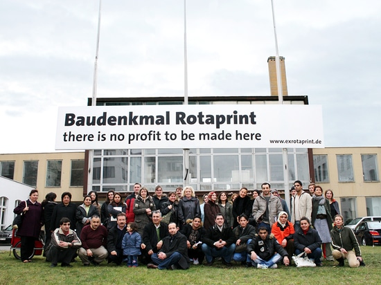 The ExRotaprint renter's initiative seen here on January 10, 2007, the same day an Icelandic investor was due to visit the site. Two months later ExRotaprint gGmbH was able to buy the premises. (Ph...
