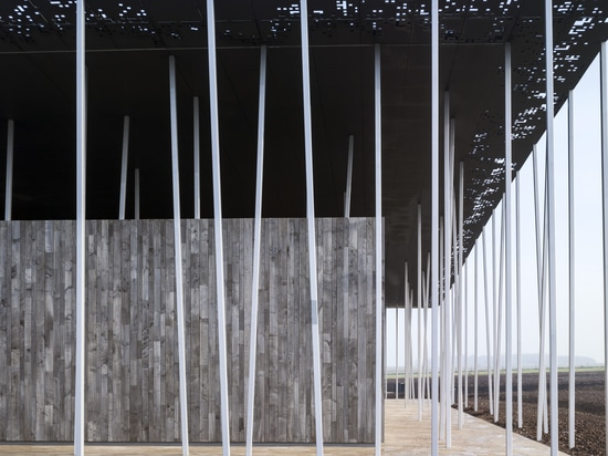 Lightweight and expressive - Stonehenge visitor centre with zinc composite panels