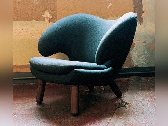 Main image: Reading Chairs. This image: original Pelican Chair