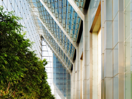 Building lobby ( Photo © : Gerry O'Leary )