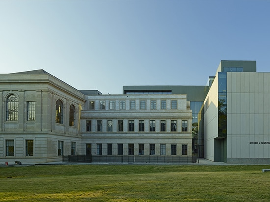 North elevation of Vol Walker Hall and addition ( Photo © : Timothy Hursley )