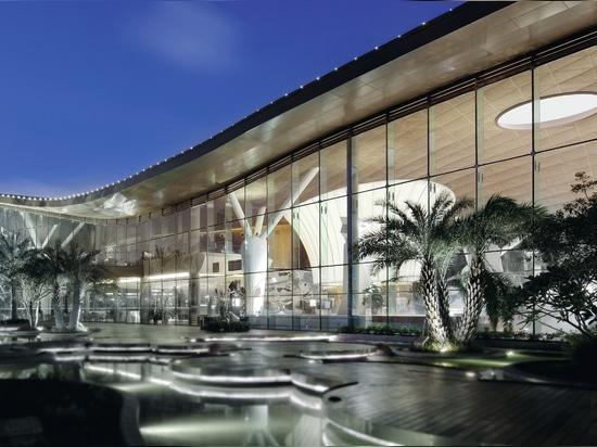 Lotus Square Art Center