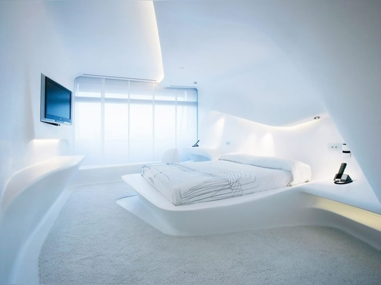 """Sleeping in a dumpster more comfortable"" than Zaha Hadid-designed hotel room says Moby"