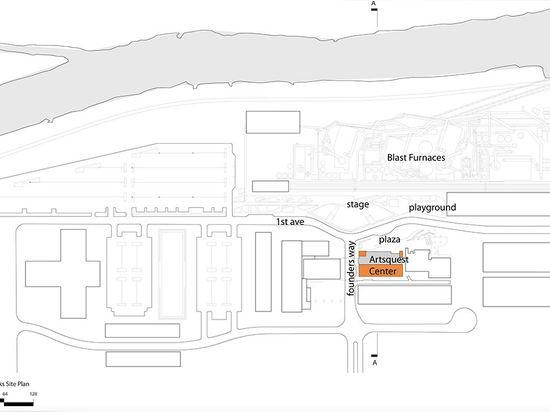 Site Plan ( Drawing © : Spillman Farmer Architects )