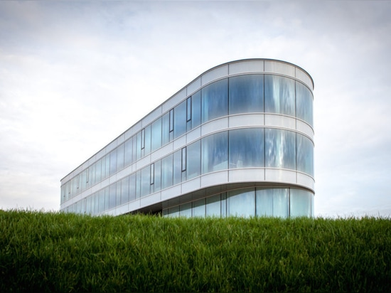 Solar-powered Vreugdenhil office earns BREEAM-NL Outstanding for its low energy footprint