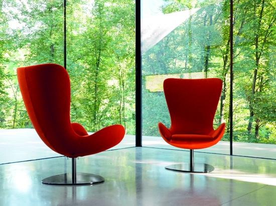 WING armchair, design Setsu&Shinobu Ito