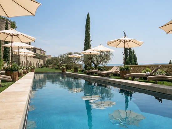 Pool of an 5* Hotel in South of France by Les Jardins