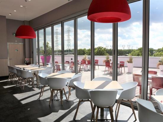 Venghour Restaurant in Paris, France