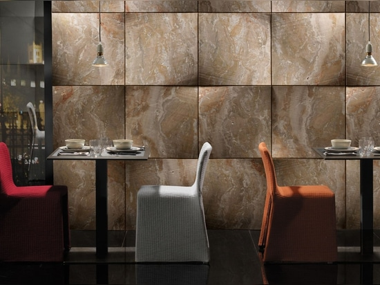 """The """"foulard"""" stone covering from the """"Drappi di Pietra"""" collection"""
