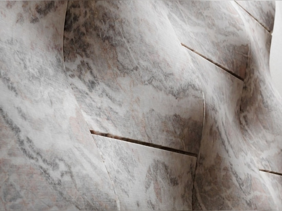 """The """"organza"""" stone covering from the """"Drappi di Pietra"""" collection"""