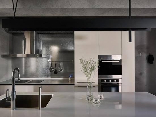 Awa Ulysse Kitchen Mixer featured in DECOmyplace
