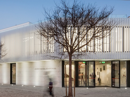 plano humano completes all-white pastoral center in portugal