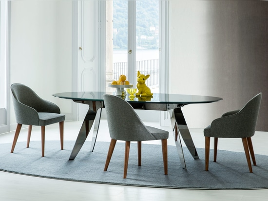 Ring table and Judy chairs