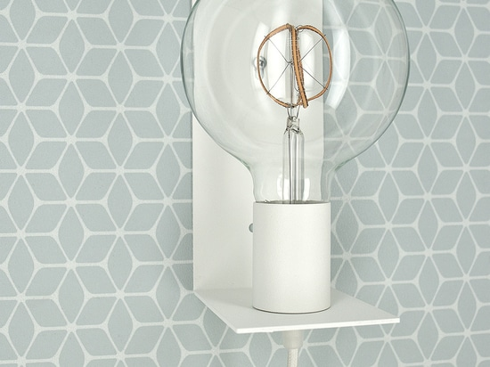 Hook Me Up wall lamp