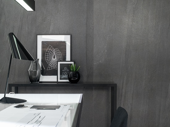 Double heights. The importance of textures in interior design