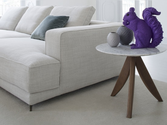 Circus coffee table with top in Carrara marble