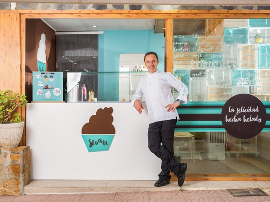 KRION in the SUAU shop window: traditional ice creams inspired by pastries