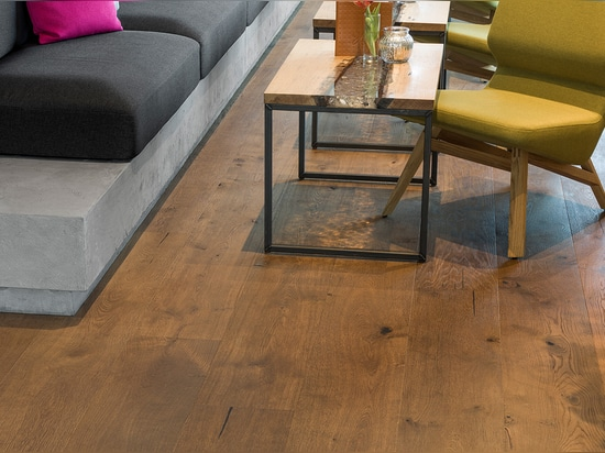 """The mafi """"OAK Country Vulcano Medium"""" combines modern design and extreme robustness"""